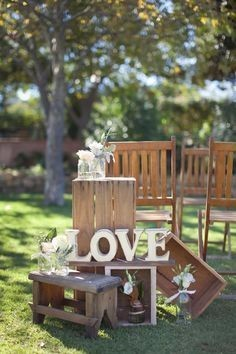 rustic country wooden creates wedding