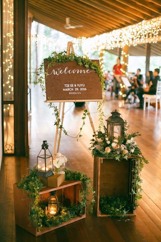 gate wedding decoration with crates